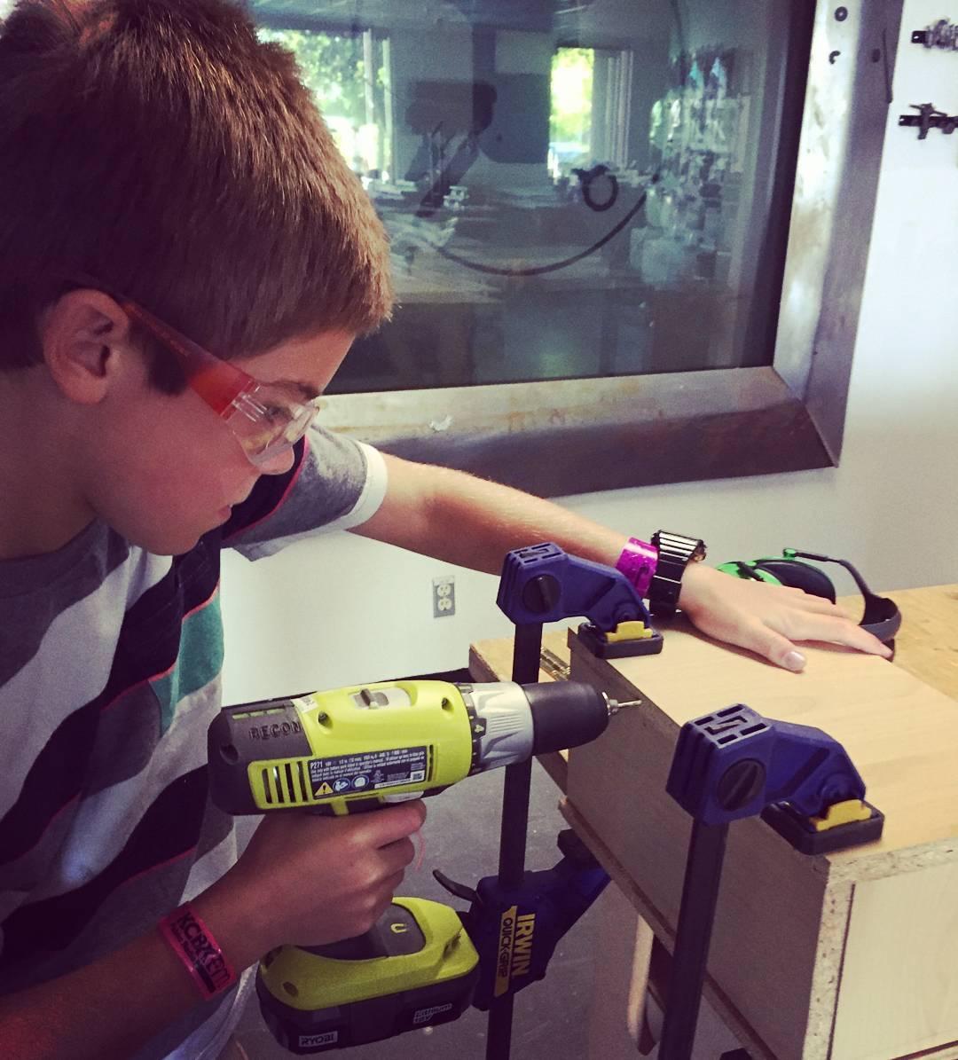 Літні дитячі табори 2017: металообробка, роботи, коптери, 3D-друк, програмування та все цікаве